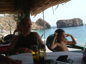 Waiting for lunch in the restaurant on El Canuelo beach